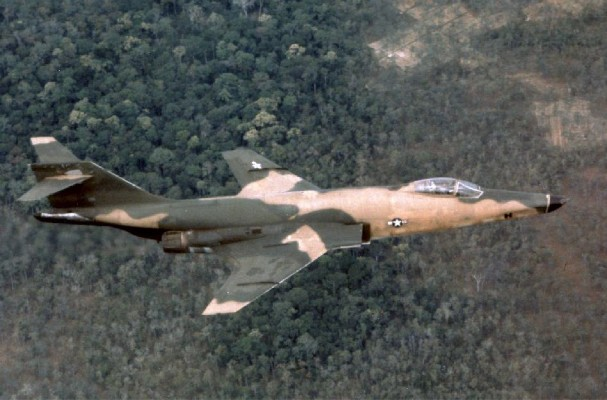 RF-101 Voodoo (USAF) - 33 combat, 6 non-combat